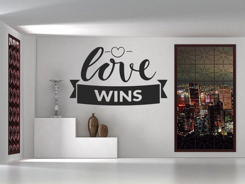 Samolepka na zeď Nápis Love wins 0648