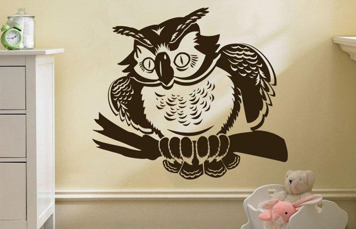Moudrá samolepicí sova jako dekorace